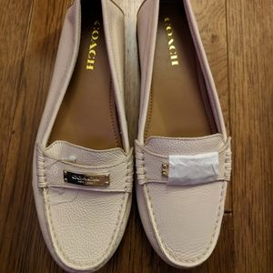 Coach cream leather flats shoes size 9B